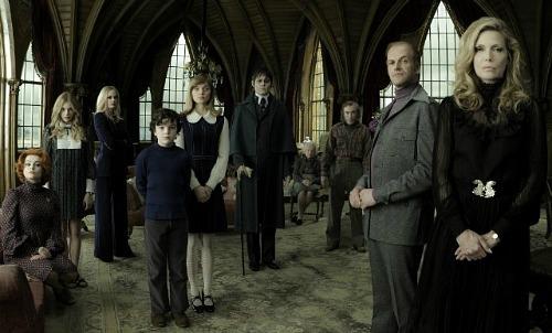 Dark Shadows Cast | Warner Bros.