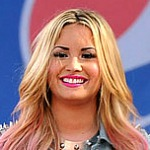 Demi Lovato Goes Punk on Good Morning America