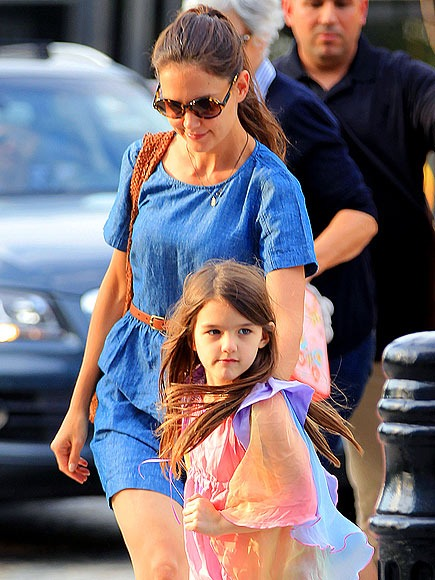 Katie Holmes and Suri in New York City | People.com