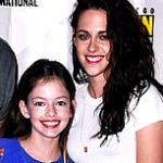 Robert Pattinson, Kristen Stewart and Their Daughter at Comic-Con