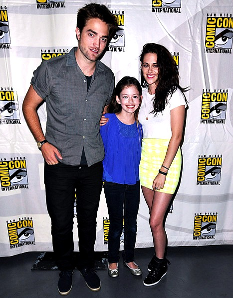 "Robert Pattinson, Kristen Stewart and their ""daughter"" at Comic-Con 2012 