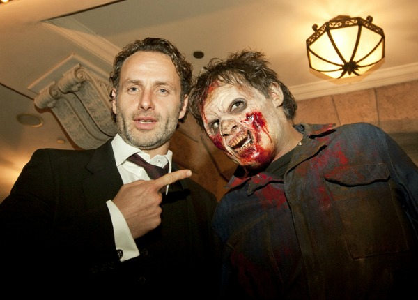 The Walking Dead Cast Gets Spooked at Halloween Horror Nights ...