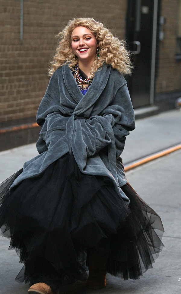 Anna Sophia Robb on the set of The Carrie Diaries