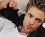 Rob Pattinson Bests Ian Somerhalder as E!&#8217;s Celeb of the Year