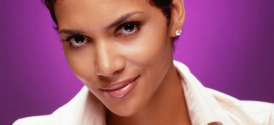Halle Berry dips bare breast in guacamole for Movie 43