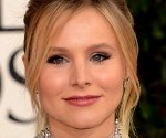 Kristen Bell Shows Off Baby Bump on Twitter, Looks Adorable at Globes