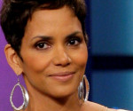 Halle Berry Stuns on Jay Leno; Says Boob Song Didn't Offend Her