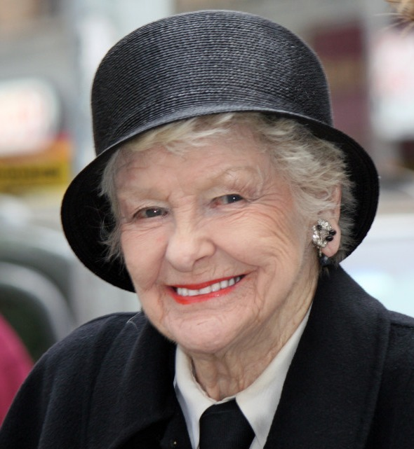 Tribeca Film Festival Red Carpet: Broadway Icon Elaine Stritch - u0026#39;Elaine Stritch: Shoot Me ...