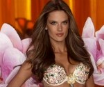 Victoria's Secret Fashion Show 2012 Photos: Miranda Kerr, Lindsey Ellingson and More