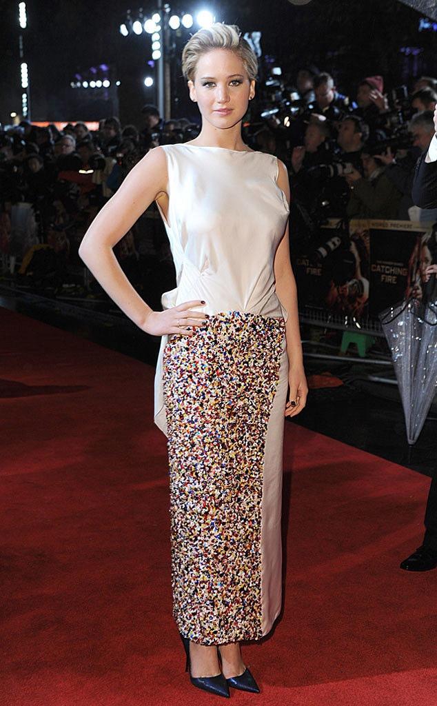 Jennifer Lawrence Catching Fire London Premiere - Reel ...