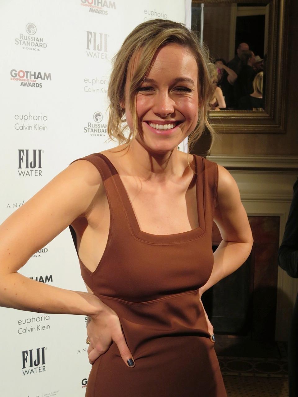 Big tit nipple slip