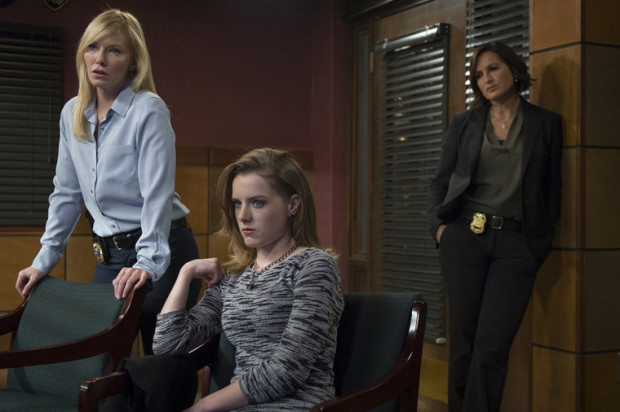 Kelli Giddish as Det. Amanda Rollins, Laura Slade Wiggins as Carly Rydell, Mariska Hargitay as Sgt. Olivia Benson Michael Parmelee/NBC Photo