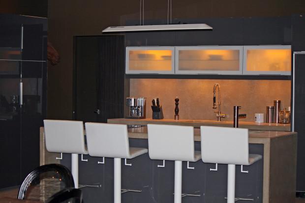 Roman Godfrey's kitchen in season 2