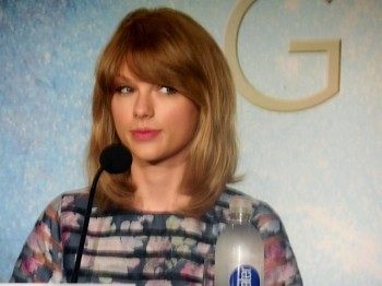 "Taylor Swift at ""The Giver"" press conference in NYC 