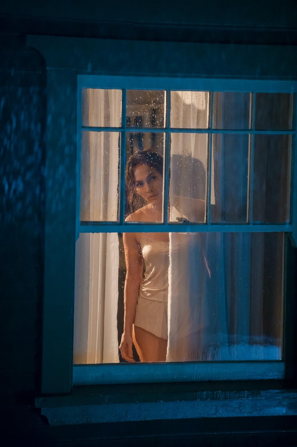 Jennifer Lopez is Worried in u0026#39;The Boy Next Dooru0026#39; Stills ...