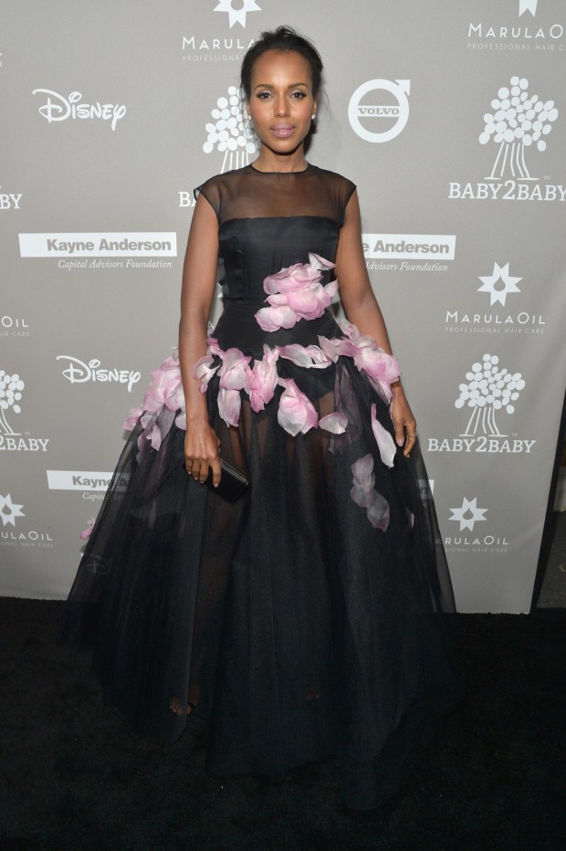 CULVER CITY, CA - NOVEMBER 14: Honoree Kerry Washington attends the 2015 Baby2Baby Gala presented by MarulaOil & Kayne Capital Advisors Foundation honoring Kerry Washington at 3LABS on November 14, 2015 in Culver City, California. (Photo by Charley Gallay/Getty Images for Baby2Baby)