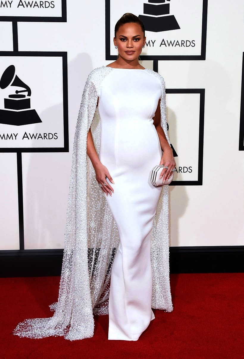 Chrissy Teigen, 2016 Grammy Awards, Red Carpet