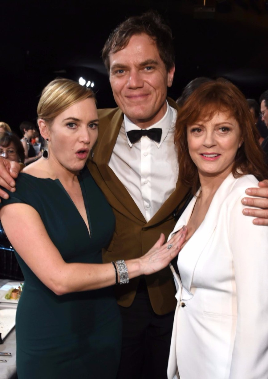 Susan Sarandon Cleavage Kate Winslet SAG Awards 2016