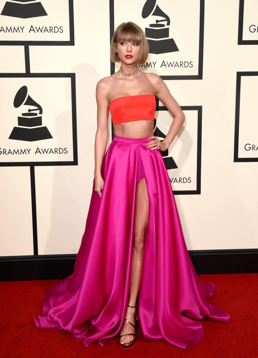 Taylor Swift threw shade at Kanye West at the 2016 Grammy Awards