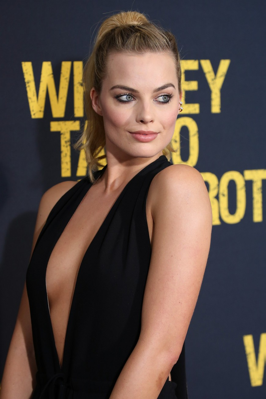 Margot Robbie, Whiskey Tango Foxtrot Red Carpet Premiere
