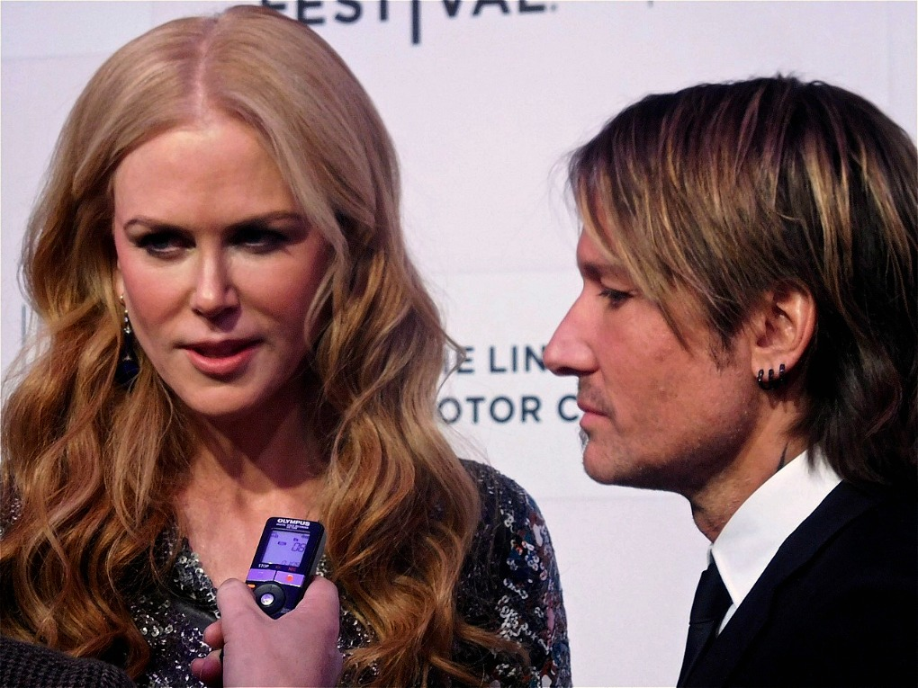 Nicole Kidman and husband Keith Urban at the red carpet premiere of ...
