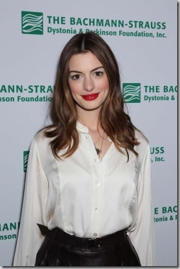 anne-hathaway-love-other-drugs-2