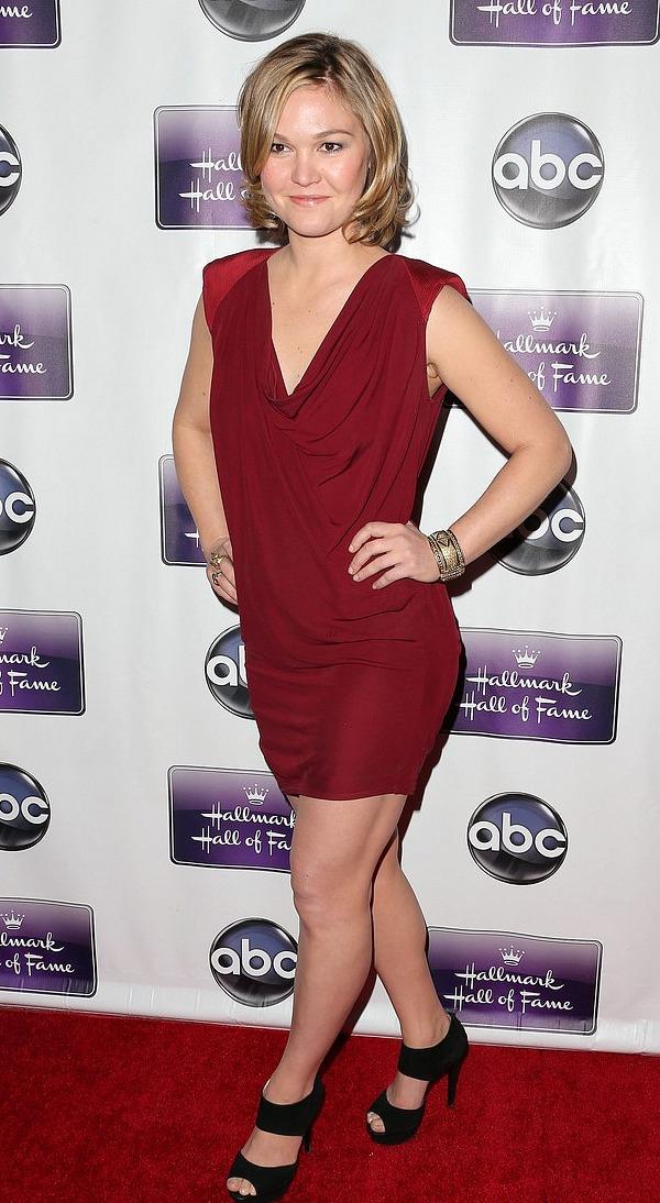 Julia Stiles: The Makeover Premiere