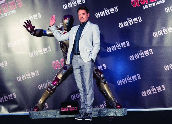 Iron Man 3: Robert Downey, Jr. in South Korea
