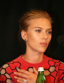 "Scarlett Johansson at the ""Don Jon"" press conference in New York | Melanie Votaw Photo"