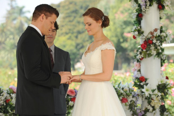 Bones: The Woman in White (The Wedding)