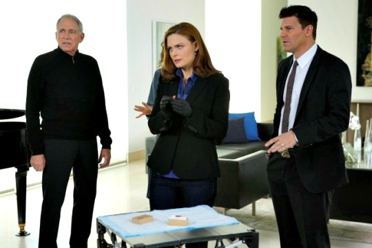bones-the-heiress-on-the-hill-fox-1-emily-deschanel-david-boreanaz