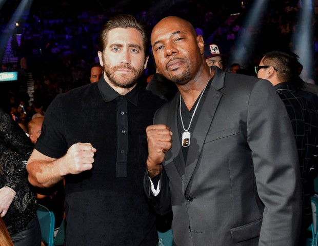 """LAS VEGAS, NV - MAY 02:  Actor Jake Gyllenhaal (L) and director Antoine Fuqua pose ringside At """"Mayweather VS Pacquiao"""" presented by SHOWTIME PPV And HBO PPV at MGM Grand Garden Arena on May 2, 2015 in Las Vegas, Nevada.  (Photo by Ethan Miller/Getty Images for SHOWTIME)"""