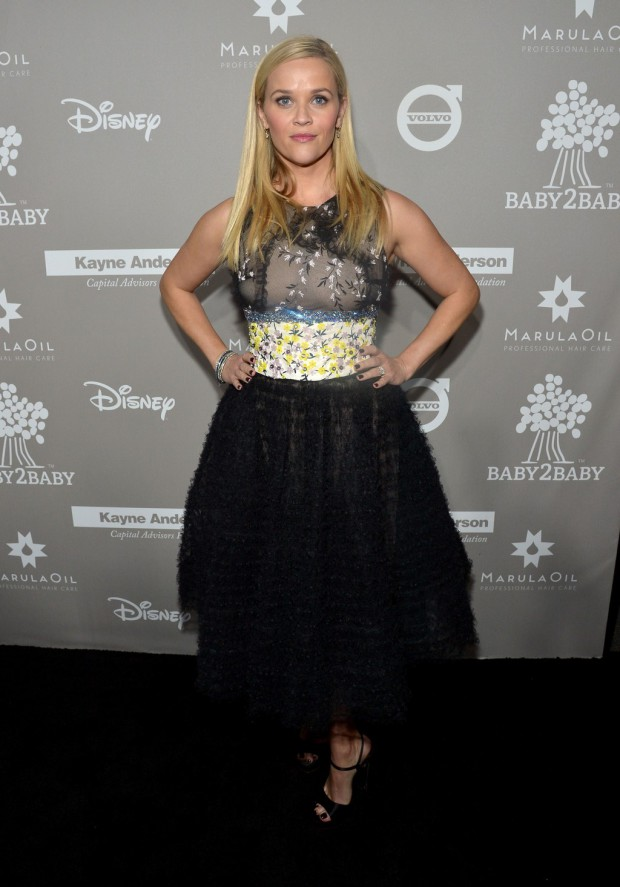 CULVER CITY, CA - NOVEMBER 14: Actress Reese Witherspoon attends the 2015 Baby2Baby Gala presented by MarulaOil & Kayne Capital Advisors Foundation honoring Kerry Washington at 3LABS on November 14, 2015 in Culver City, California. (Photo by Charley Gallay/Getty Images for Baby2Baby)
