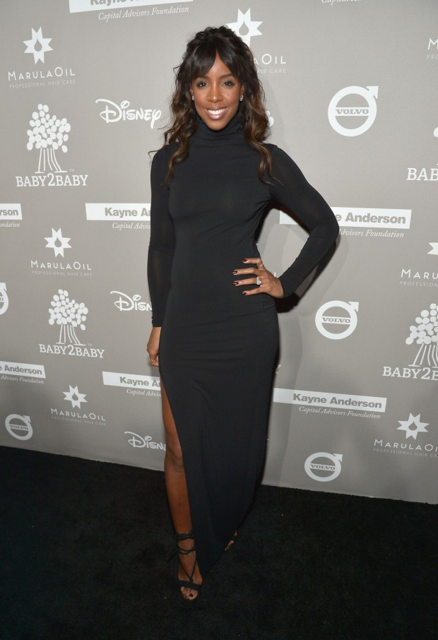 CULVER CITY, CA - NOVEMBER 14: Recording artist Kelly Rowland attends the 2015 Baby2Baby Gala presented by MarulaOil & Kayne Capital Advisors Foundation honoring Kerry Washington at 3LABS on November 14, 2015 in Culver City, California. (Photo by Charley Gallay/Getty Images for Baby2Baby)