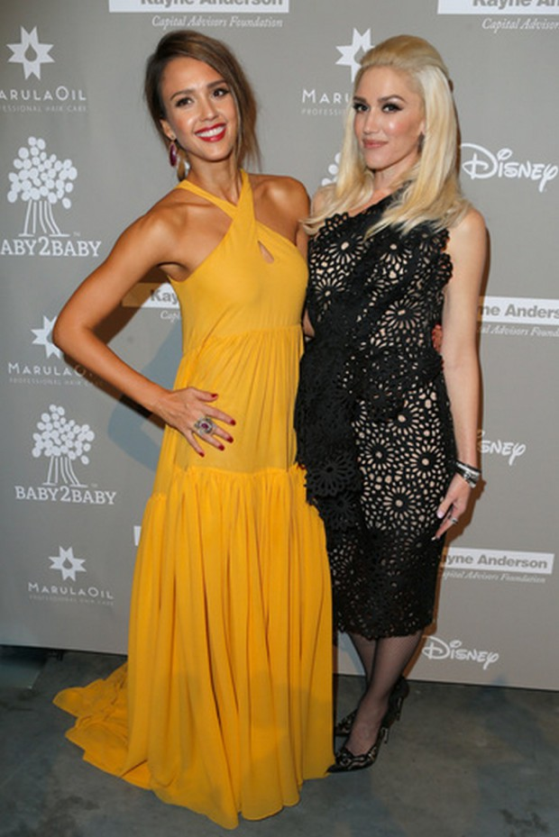 CULVER CITY, CA - NOVEMBER 14: Jessica Alba and Gwen Stefani attend the 2015 Baby2Baby Gala presented by MarulaOil & Kayne Capital Advisors Foundation honoring Kerry Washington at 3LABS on November 14, 2015 in Culver City, California. (Photo by Jeff Vespa/Getty Images for Baby2Baby)