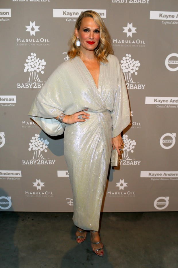 CULVER CITY, CA - NOVEMBER 14: Model Molly Sims attends the 2015 Baby2Baby Gala presented by MarulaOil & Kayne Capital Advisors Foundation honoring Kerry Washington at 3LABS on November 14, 2015 in Culver City, California. (Photo by Jeff Vespa/Getty Images for Baby2Baby)