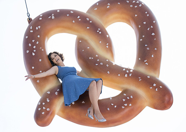 """Rachel Bloom as Rebecca Bunch in """"Crazy Ex-Girlfriend"""" (Photo: Eddy Chen/The CW - © 2015 The CW Network, LLC. All Rights Reserved.)"""