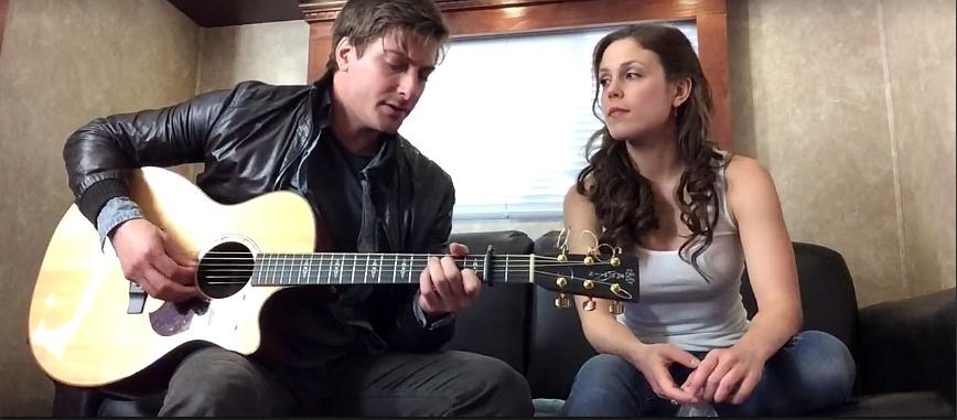 When Calls the Heart Stars Daniel Lissing and Erin Krakow