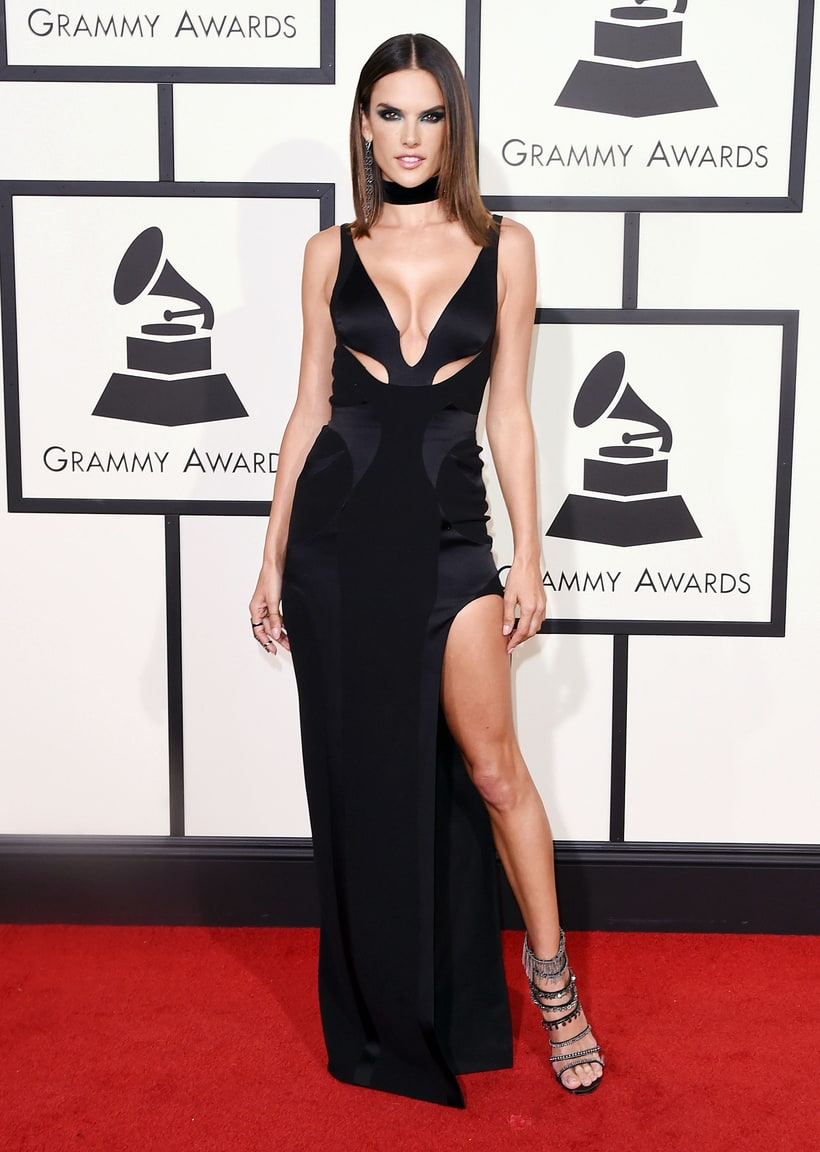 Alessandra Ambrosio, 2016 Grammy Awards, Red Carpet