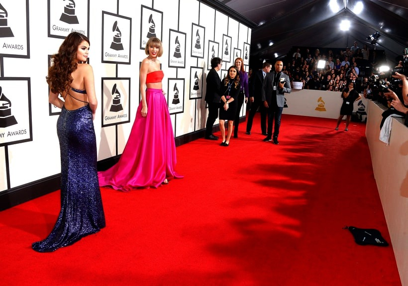 Taylor Swift, Selena Gomez, 2016 Grammy Awards